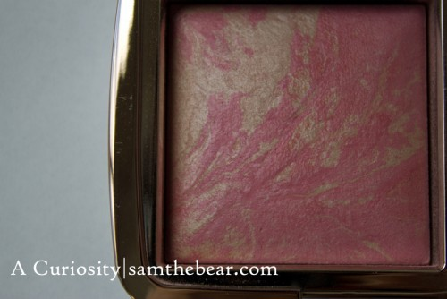 Hourglass_Ambient powders_Luminous-Flush